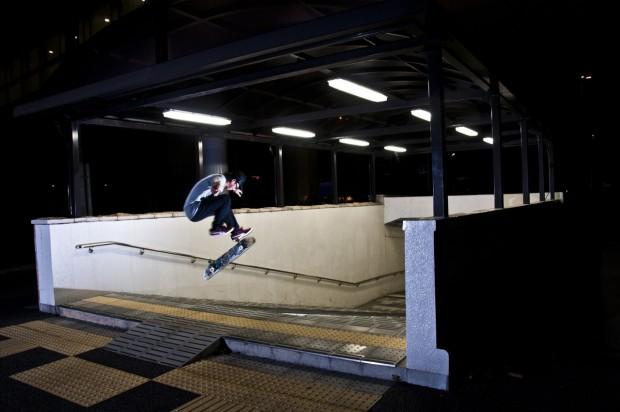 トレフリップバンクイン 愛地球博モリコロ駅ローカルスポット地下行きバンクtoバンク 朝から映像撮りためて夜中の最終ラウンドにて納めた1枚